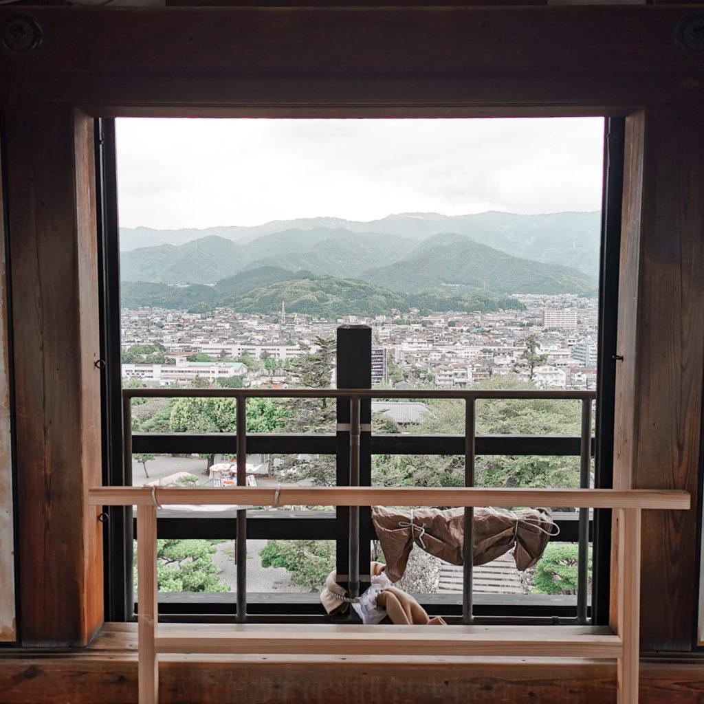 松山城の天守閣は見るべき?観光するところはある?